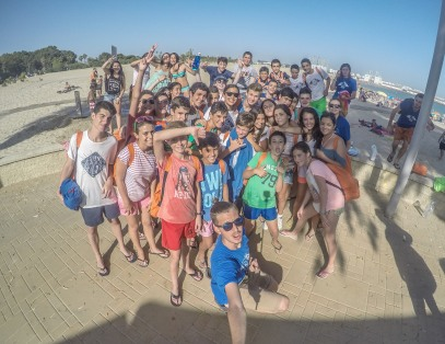 Photo of the kids on tecs summer camps on excursion to the beach in Spain
